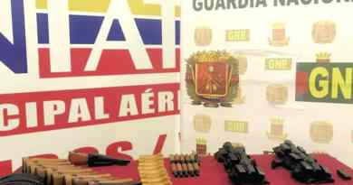 War Weapons Seized by Venezuelan GNB in Valencia's Airport (From Colombia)