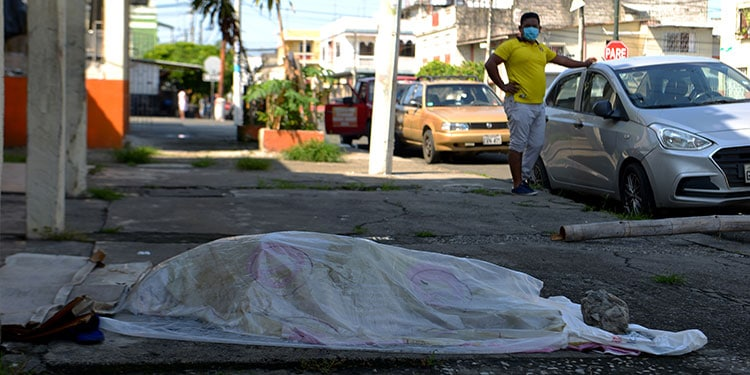 Ecuador's Minister of Health Confirms More Than 1,500 Deaths in Guayaquil