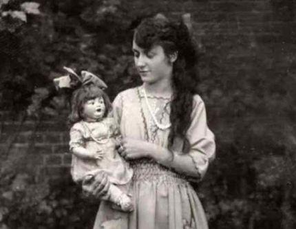 Poupées de deuil victoriennes femme et poupée