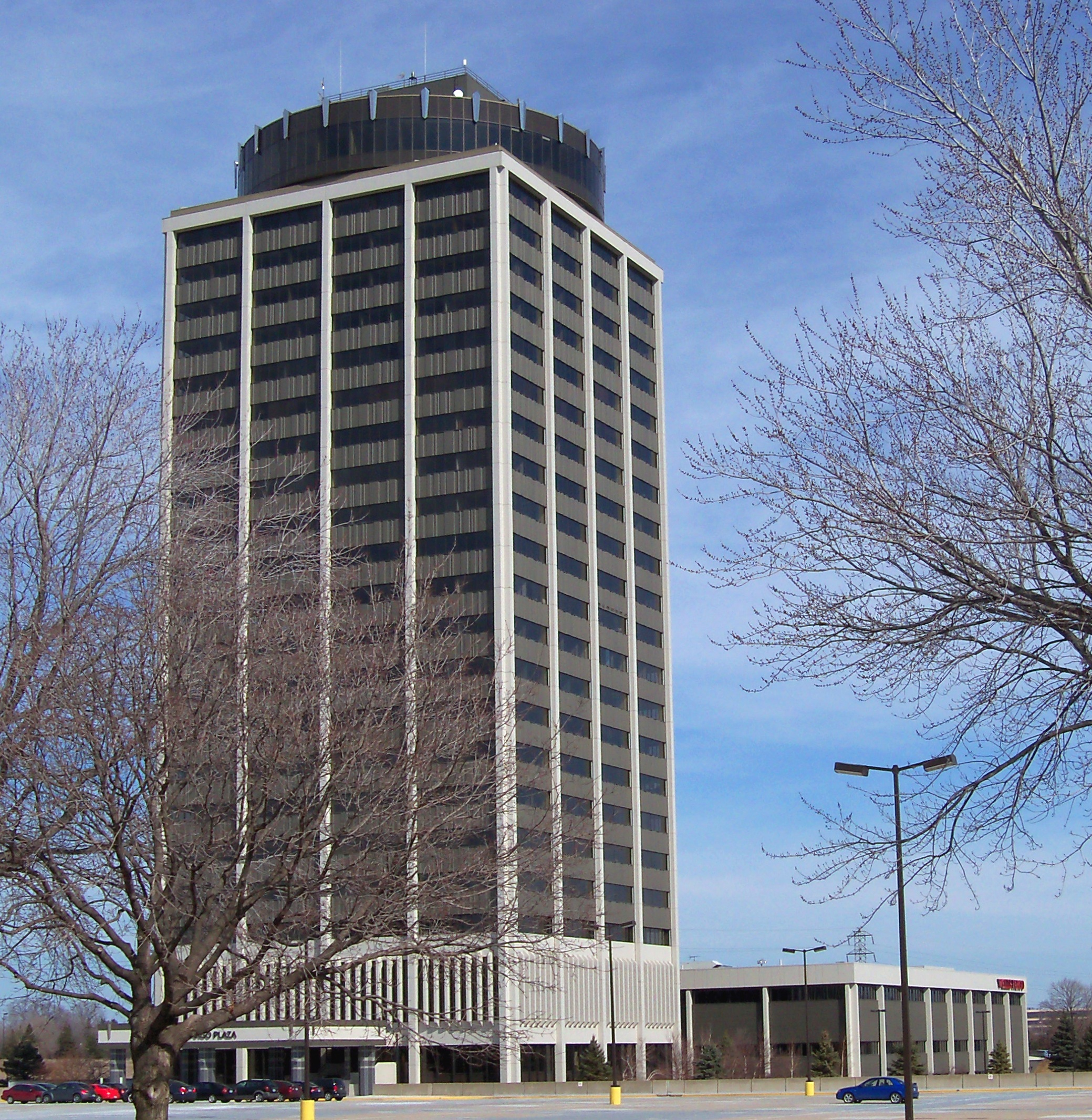 Photo of wells fargo building in bloomington