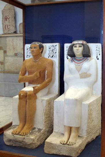 ラーホテプとネフェルトの座像 感動的に美しい!古王国時代の傑作