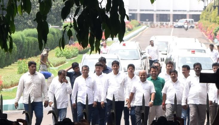 BJD holds bike rally to protest Odisha's kerosene quota reduction