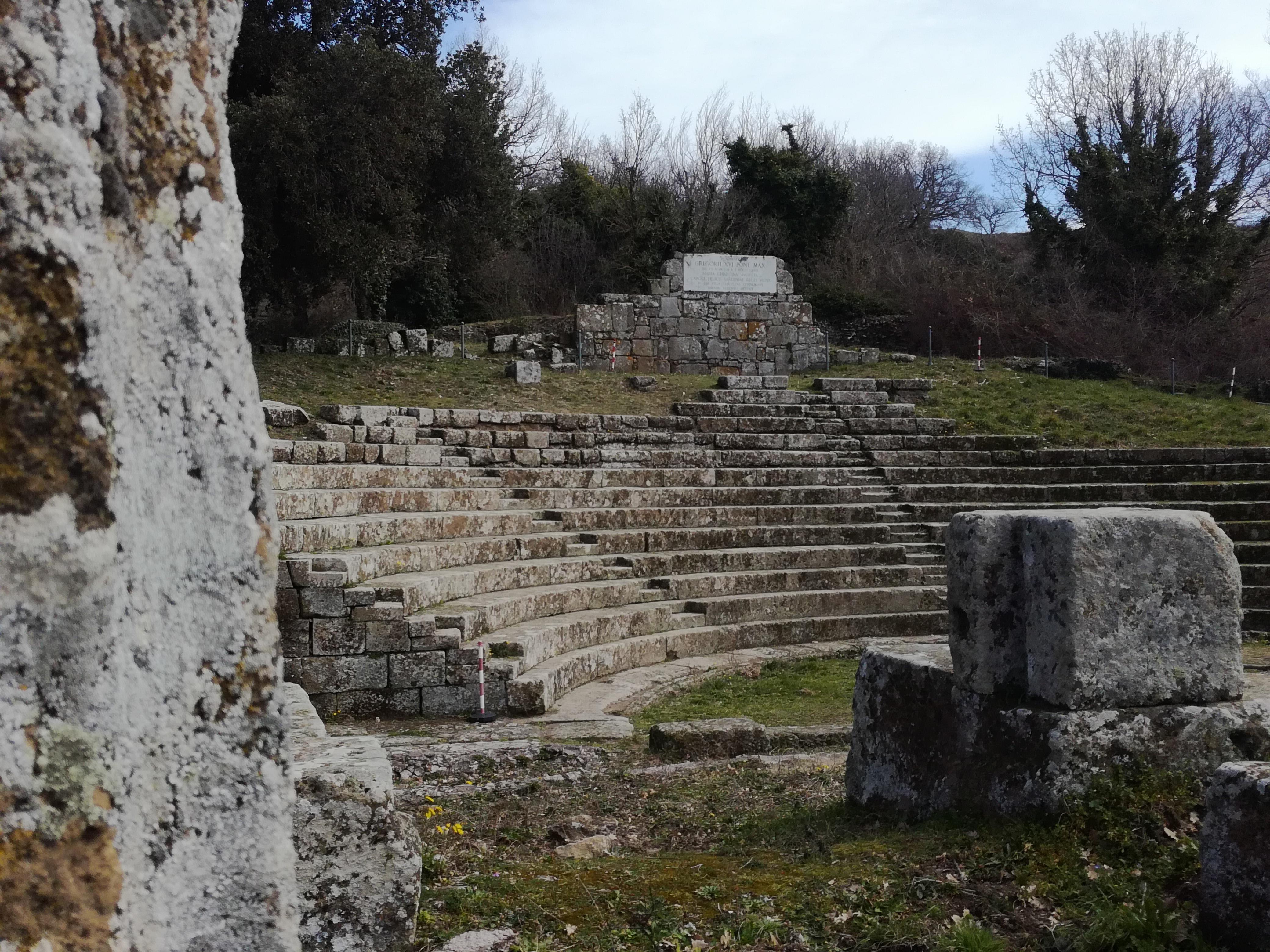 Monte Porzio Catone Cosa Vedere riapre il parco archeologico di tuscolo, luogo primitivo