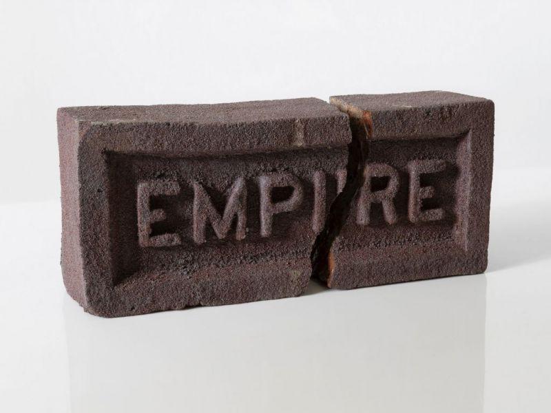 Mattone Empire di Elisabetta Benassi