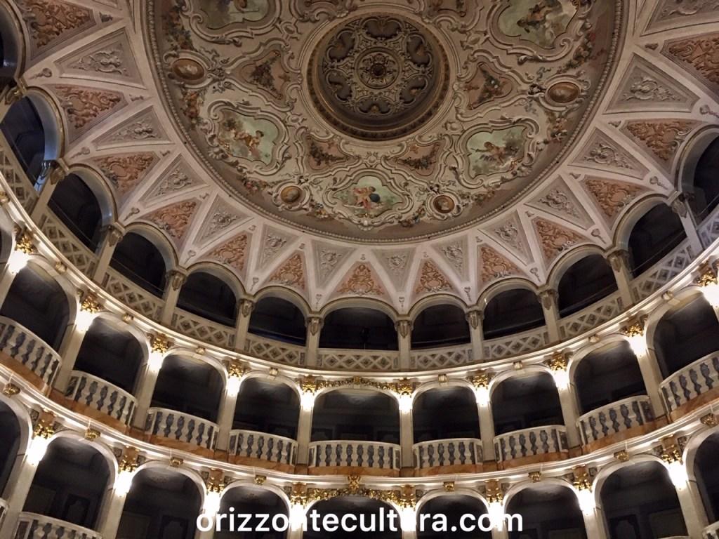 Teatro Lauro Rossi - itinerario un giorno Macerata