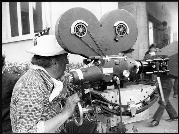 Federico Fellini sul set di Amarcord, agenda mostre inverno 2020