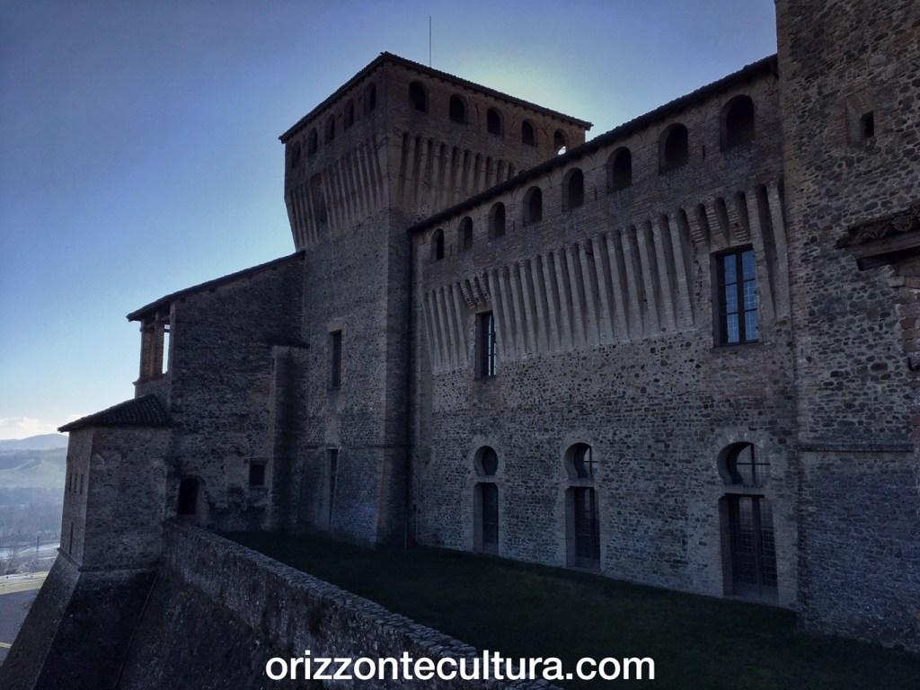 Castello di Torrechiara, torri