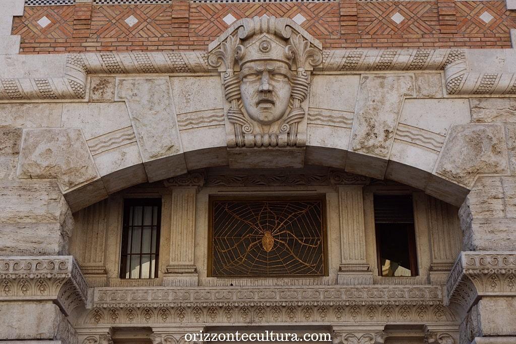 Il Palazzo del Ragno, dettaglio