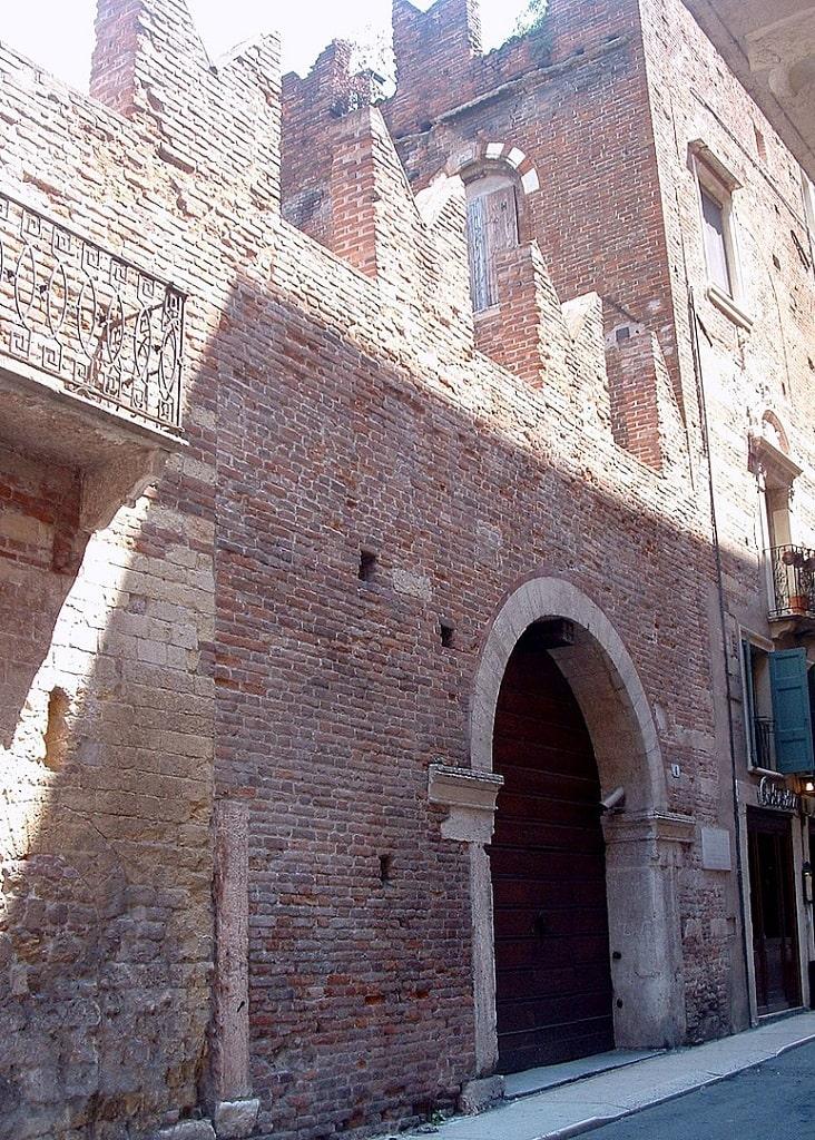 Casa di Romeo, Verona tracce Romeo e Giulietta