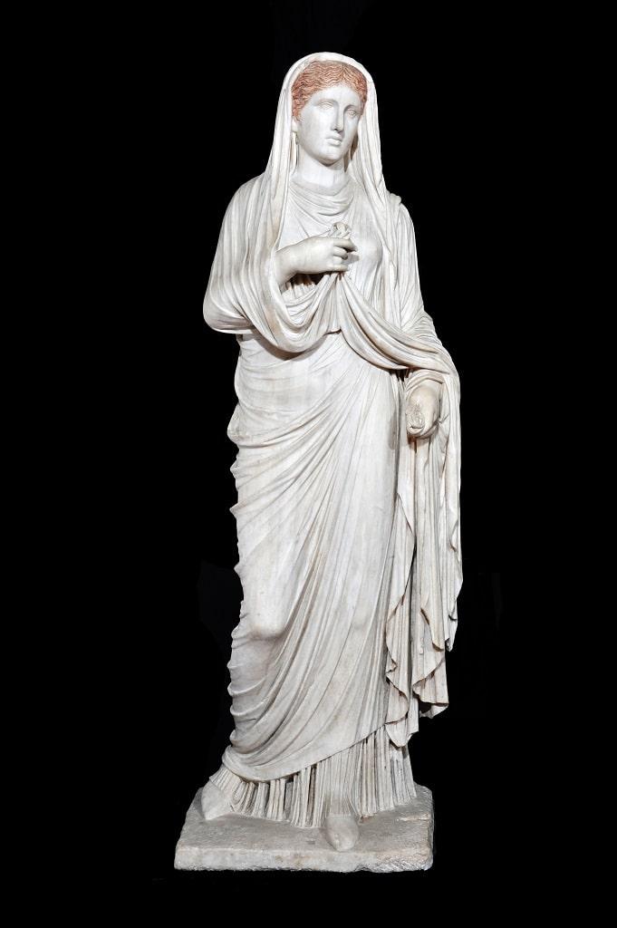 Statua di Eumachia, mostra colosseo