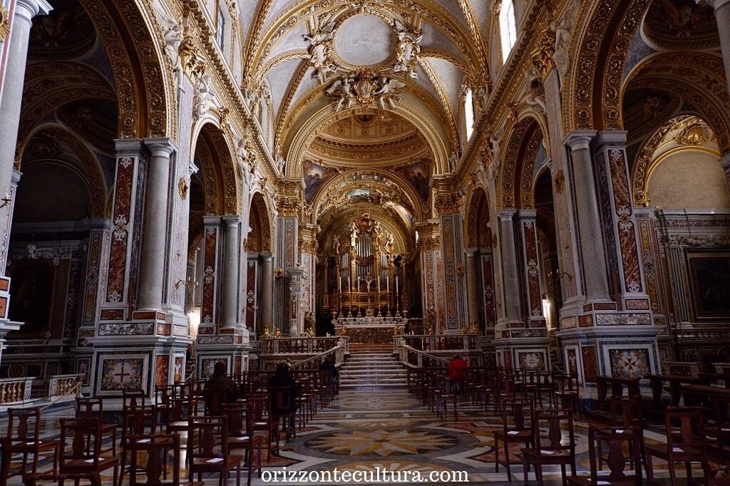 Navata centrale Cattedrale di Santa Maria Assunta e San Benedetto abate