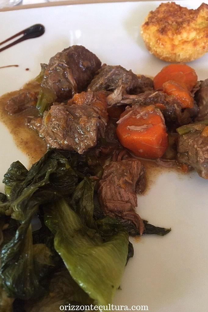 Bocconcini di carne di bufalo al Falerno del Massico al Ristorante Gli Scacchi di Casertavecchia, dove mangiare a Casertavecchia
