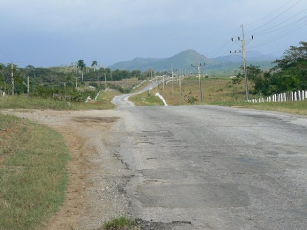 strade disastrate a Cuba