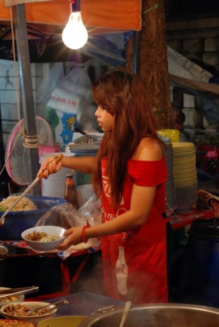 Fra le bancarelle a Bangkok