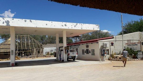 Namibia, stazione di servizio di Solitaire