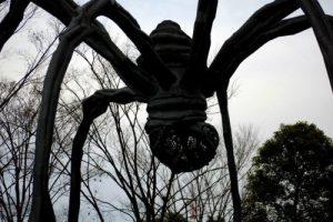 La scultura 'Maman' di Louise Bourgeouis a Roppongi Hills
