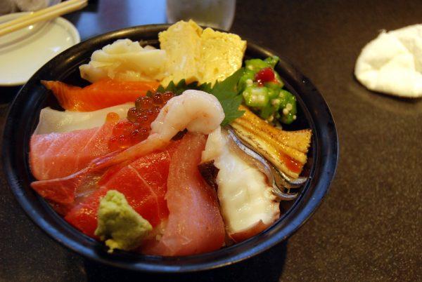 Un donburi da Sushi Zanmai