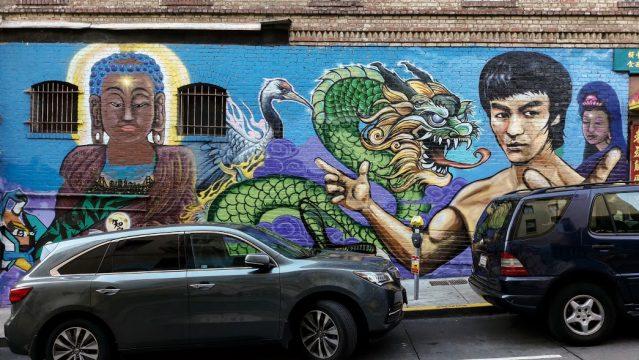 Un bel graffito con Bruce Lee, a Chinatown