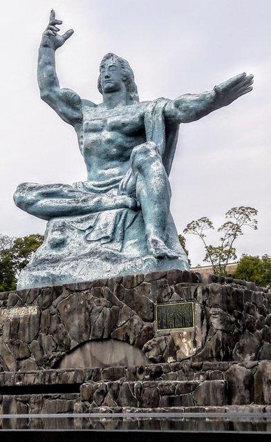 La statua della pace di Kitamura Seibo