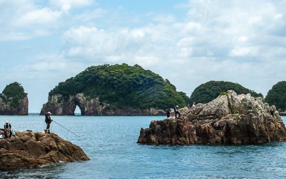 Pescatori sulla baia di Katsuura