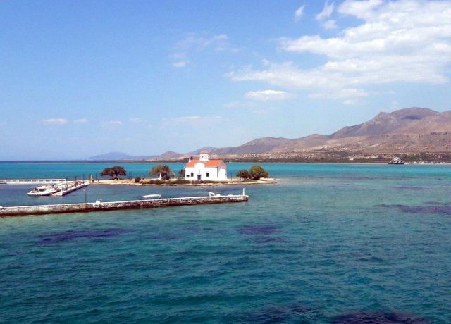 La chiesa di San Spiridione, davanti a Elafonissos