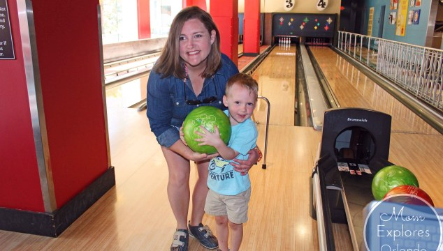 Splitsville at Disney Springs - Family Bowling Review plus how to get a lane without a wait AND for a cheaper price! #WDW #Disney #DisneyWorld #DisneySprings #Bowling #Splitsville #Orlando #Florida