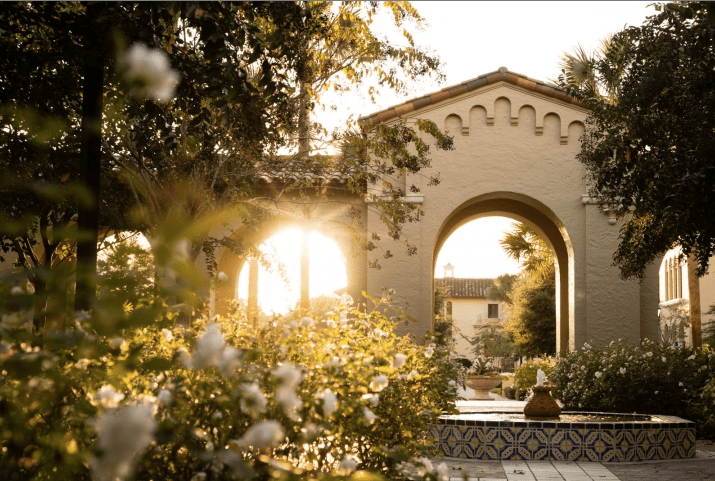 Rollins College - 10 Beautiful Spots for an Orlando Florida Photoshoot - Photography
