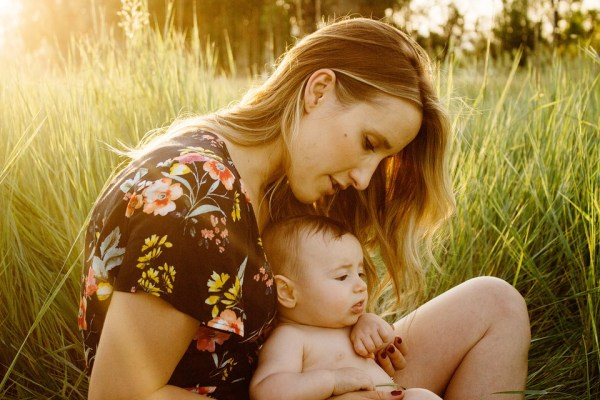 Mother's Day Orlando: image a mom and her baby outdoors