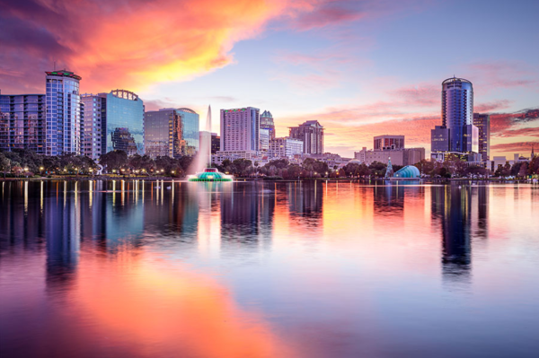Best free & cheap things to do in Orlando: image of Lake Eola at sunset