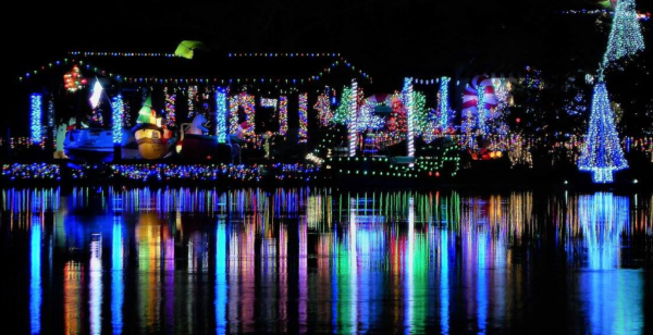 Where to see Christmas lights in Orlando: image of Johanessen Lights