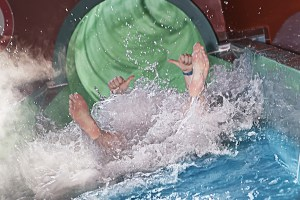 ihu-breakaway-falls-aquatica-orlando