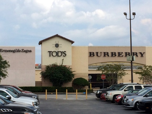 Shopping at Orlando Outlet Stores