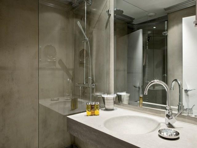 Hotel Ormelune Val d'Isère - Chambre Small - Salle de Bain