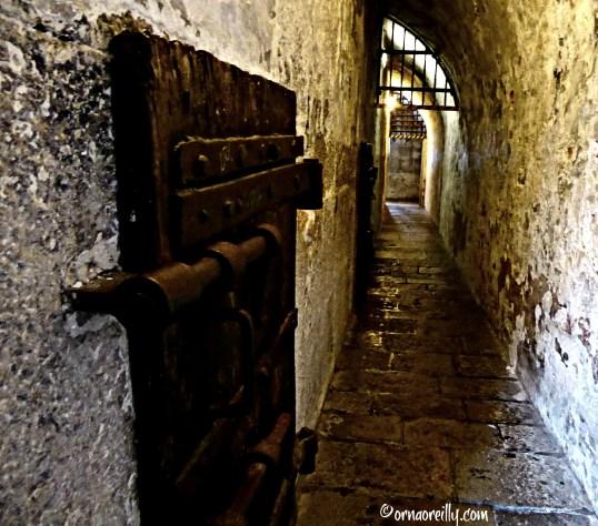 Secret Passages l ©ornaoreilly.com