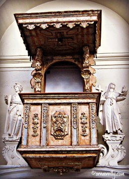 Pulpit in San Matteo