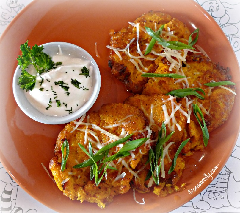 Pumpkin fritters with sour cream