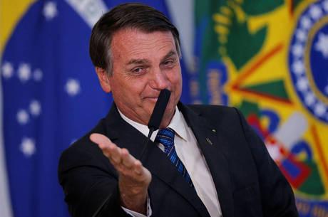 """""""Decreto sai amanhã"""", escreveu Bolsonaro"""