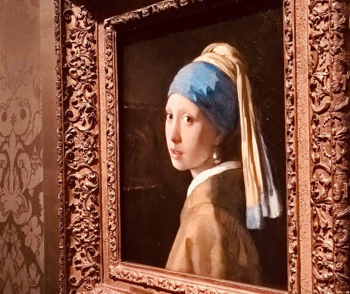 Movies that will urge you to travel - The girl with the pearl earring