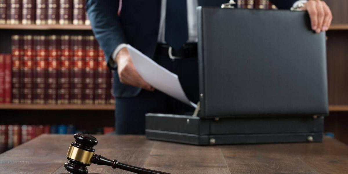 The Benefits of Hiring a Criminal Defense Attorney (1)