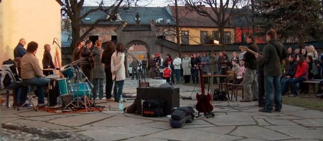 Wielkanocny Koncert Uwielbienia 2009