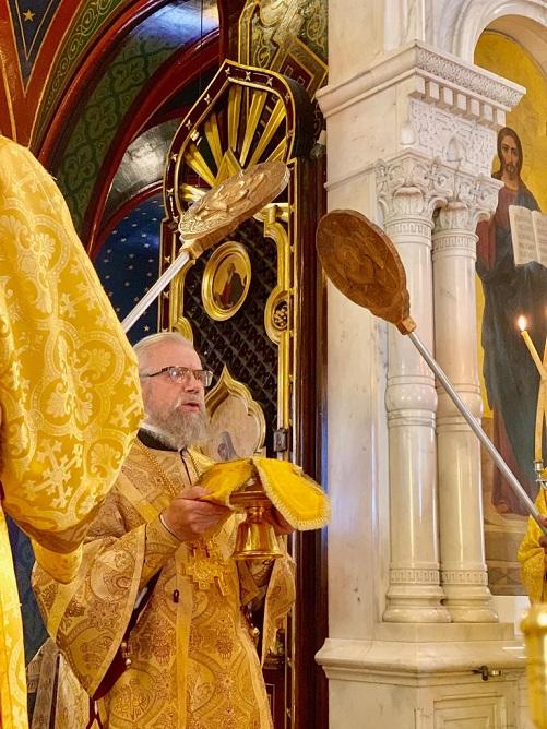 Metropolitan Augustine from Ukraine Celebrates at the Geneva Cathedral | Митрополит Августин посетил кафедральный собор Женевы