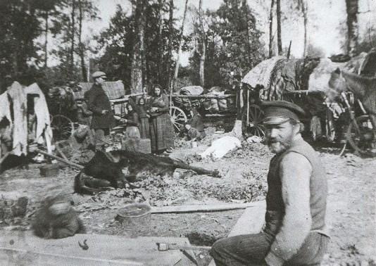 Obozowisko bieżeńców pod Słuckiem - 1915 r.
