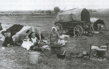 BIeżeńcy w okolicach Dobrujska - 1915 r.