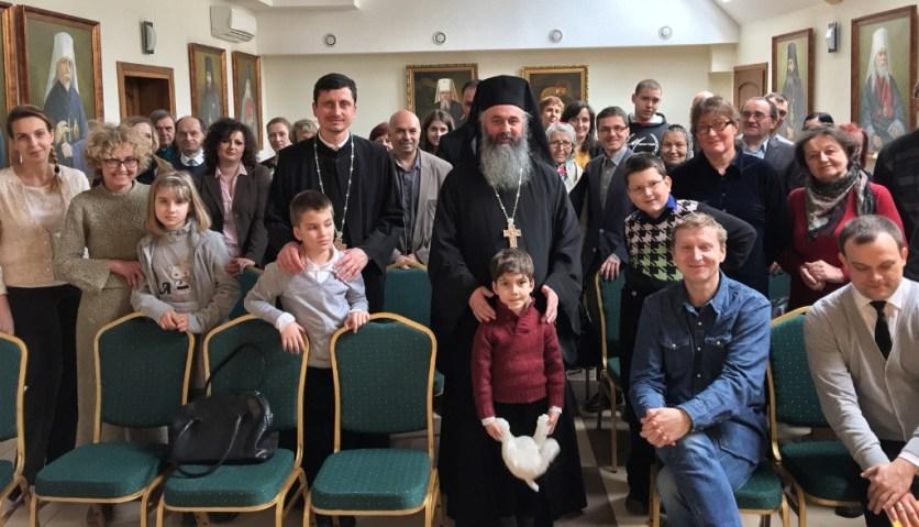 Pamiątkowe zdjęcie z Archimandrytą Dumitru na zakończenie wykładu