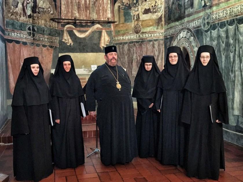 JE Władyka Abel i Siostry z turkowickiego monasteru w Kaplicy Zamkowej Kaplicy Trójcy Świętej