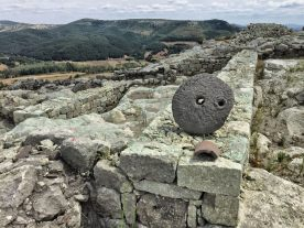 Artefakty wykopaliskowe