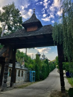 Brama do monasteru Crisan