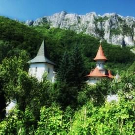 Żeński monaster Ramet w górach Trascau