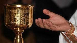 π. Σπυρίδων Σκουτής: Κορωνοϊός, Θεία Κοινωνία και υποκρισία