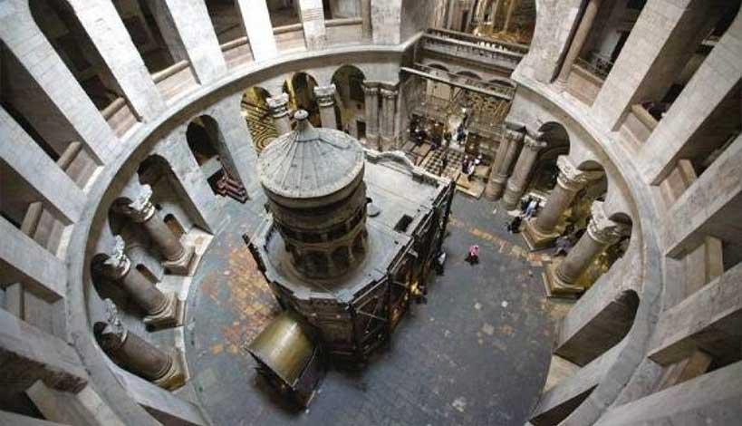 Πανάγιος Τάφος: Ζωντανά η τελετή της Αφής του Αγίου Φωτός